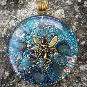 Fairy Orgonite Pendant With Labradorite