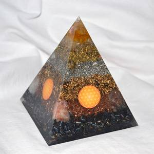 Orgone Pyramid Kepler L - Happy Optimist