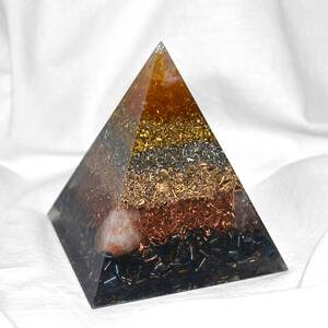Orgone Pyramid Kepler M - Happy Optimist