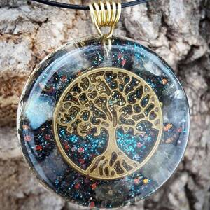 Tree of Life Orgonite Pendant With Labradorite